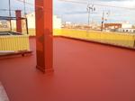 Impermeabilización de terraza con pintura antigotera reforzada con maya de fibra de vidrio.